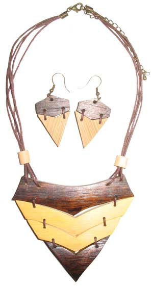 Collar y Pendientes de Bambu Triangular