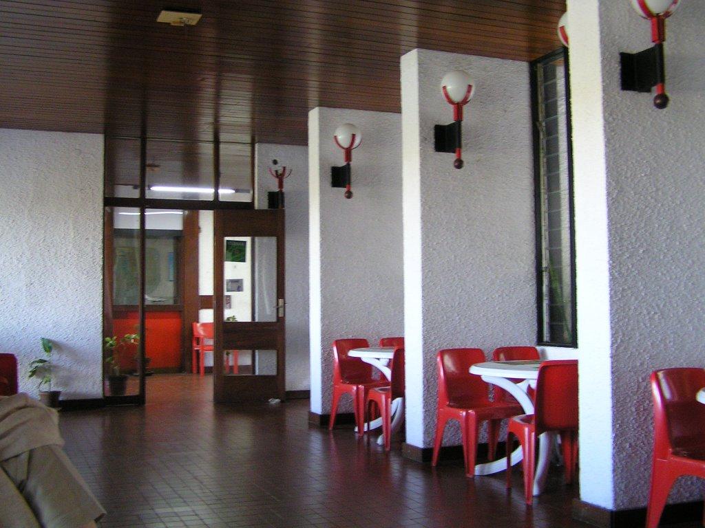 Aeroporto De Quelimane : Bar do aeroporto quelimane