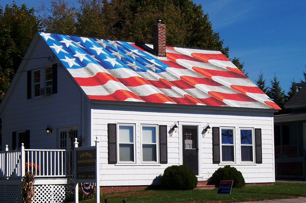 House With An American Flag Painted On The Roof In Lewiston Maine