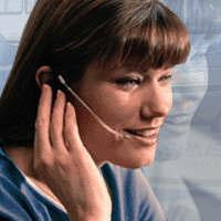 otra sonrisa telefónica, debe trabajar directamente... si no.. no entiendo esa felicidad (falsa)