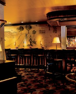 The travel lifestyle top hotels make special plans for for Bemelmans bar mural