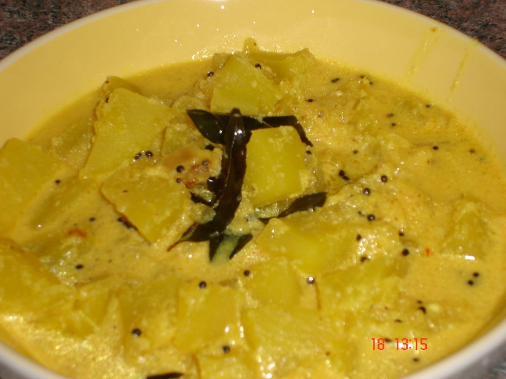 Simply Spicy: Green Papaya Curry