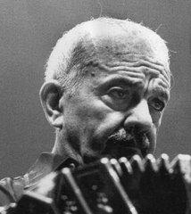 El músico argentino Astor Piazzolla