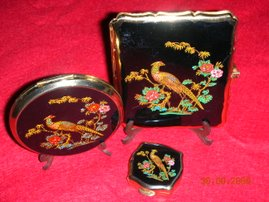 A Matching Enameled Fronted Cigarette Case,Make-up Compact and Portable Ashtray,