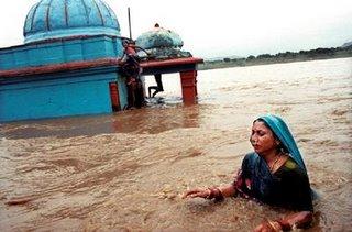 narmada dam river flooding trabals gujarat maharahtra sardar sarovar project consequences demerits aamir khan medha patkar bachao andolan