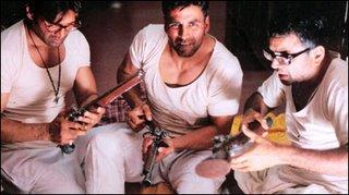 phir hera pheri movie review akshay kumar suneil shetty paresh rawal bipasha basu