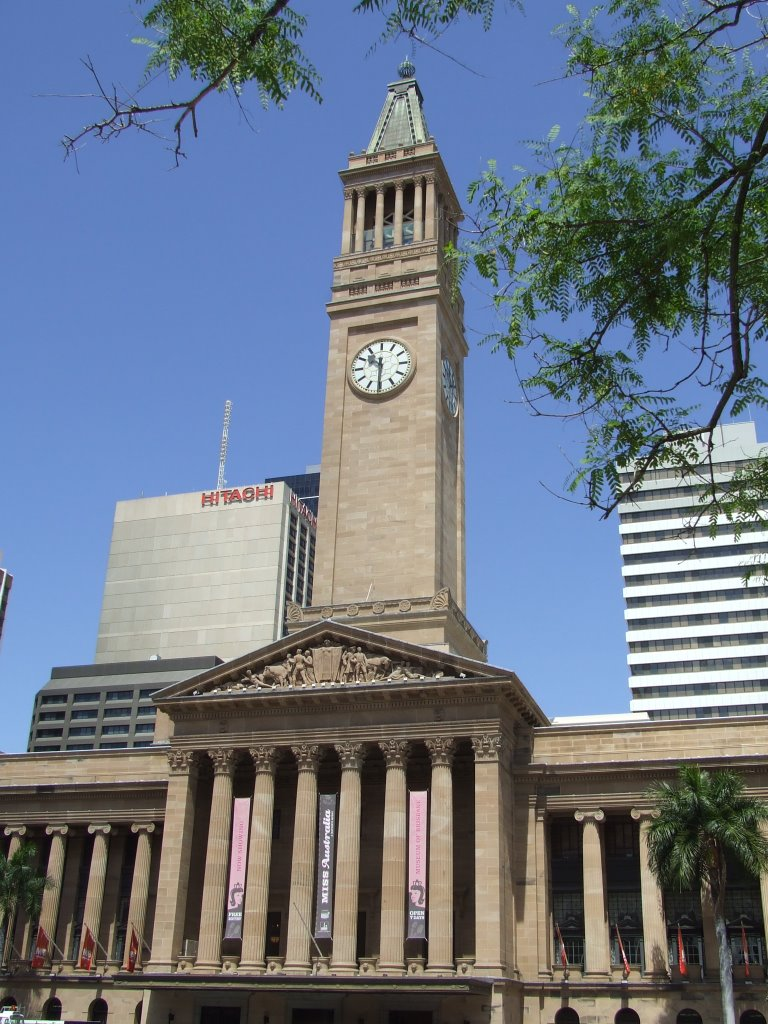 The City Hall was once the tallest building in Brisbane. Brisbane's first  town hall was built in 1864 but the foundation stone for this building was  laid in