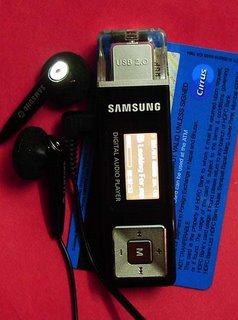 Samsung YPU2XB/XTL Digital Audio Player 512 MB