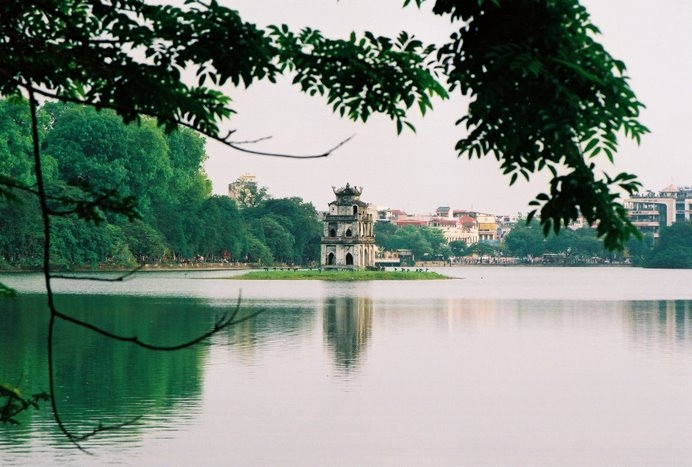 Hoan Kiem Lake - a quiet place in the heart of Hanoi