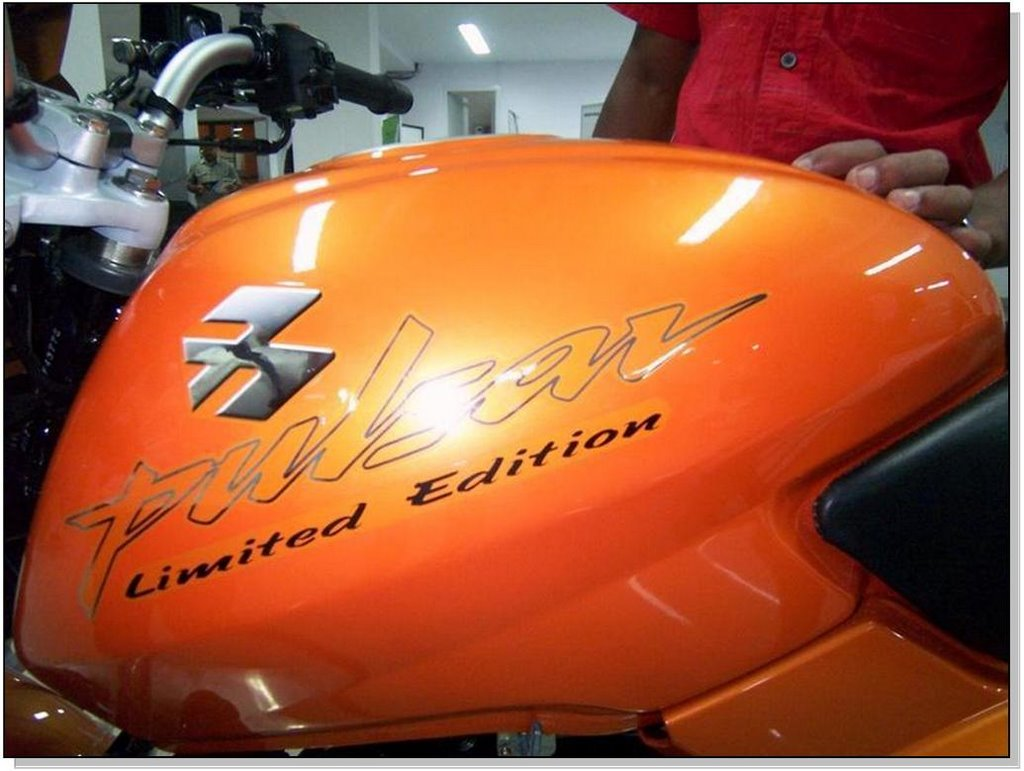 Bike stickering designs for pulsar 150 - Bajaj Pulsar 180 Limited Edition Tank