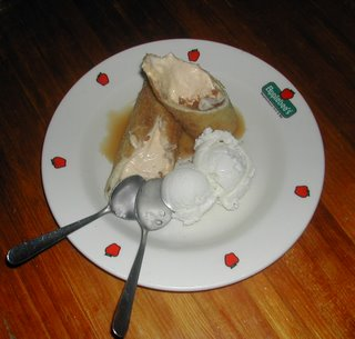 Apple Chimicheesecake, Applebees, La Ceiba, Honduras