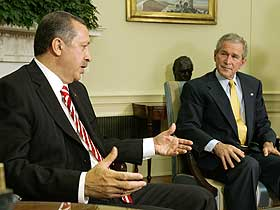 Turquia e Estados Unidos discutem estratégia contra o PKK