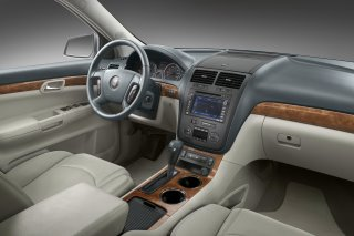 2007 Saturn Outlook is almost a steal (Photo: Interior)
