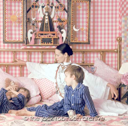 Gloria Vanderbilt and sons