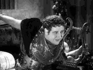 Charles Laughton como un Nerón muy mariquita en El signo de la cruz