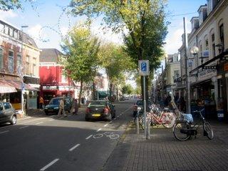 Zomaar een kiekje in de Kanaalstraat.
