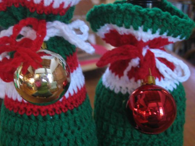 Crochetroo Happy Bottle Bags Free Crochet Pattern