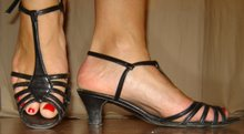 Strappy sandal sko