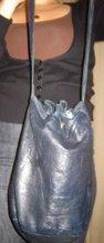 Blå 70-tals skinnväska