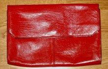 Röd kuvertväska