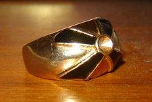 Svart/'guld' ring