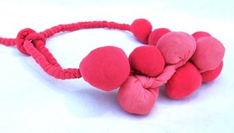 textile jewellery by silvina romero