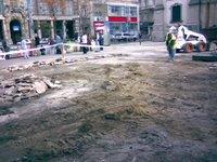 Felszedett járólapok és könnygáz-szag a Ferenciek terén