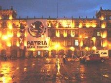 Zócalo, 20 de Noviembre: Presidente y Gobierno Legitimo