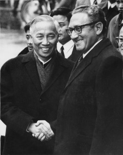 Kissinger and Tho