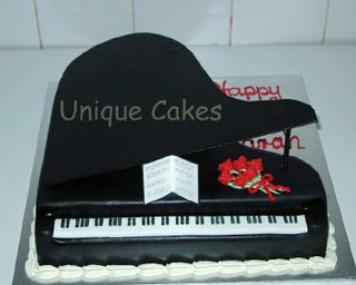 Unique Black Piano Cake misc