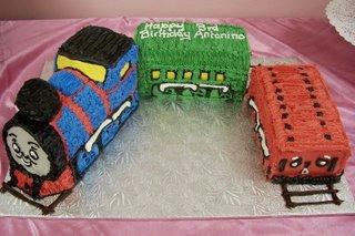 3D Thomas the Tank Cake kidz