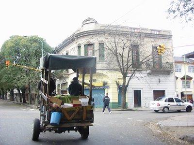 Carro en Brasil y Deán Funes