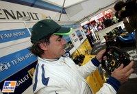 Carlos Sainz probó el R25 de Alonso