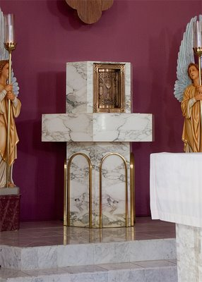 Tabernacle in Saints Peter and Paul Church, in Waterloo, Illinois