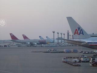 離陸を待つNW025便