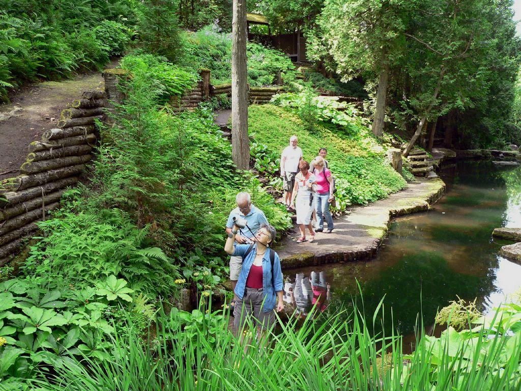 Vu par eric entre charlevoix et montr al juillet 2006 for Jardin 4 vents
