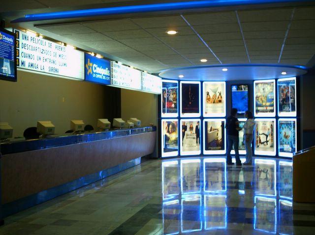 El observante for Cartelera de cinepolis en plaza jardin nezahualcoyotl