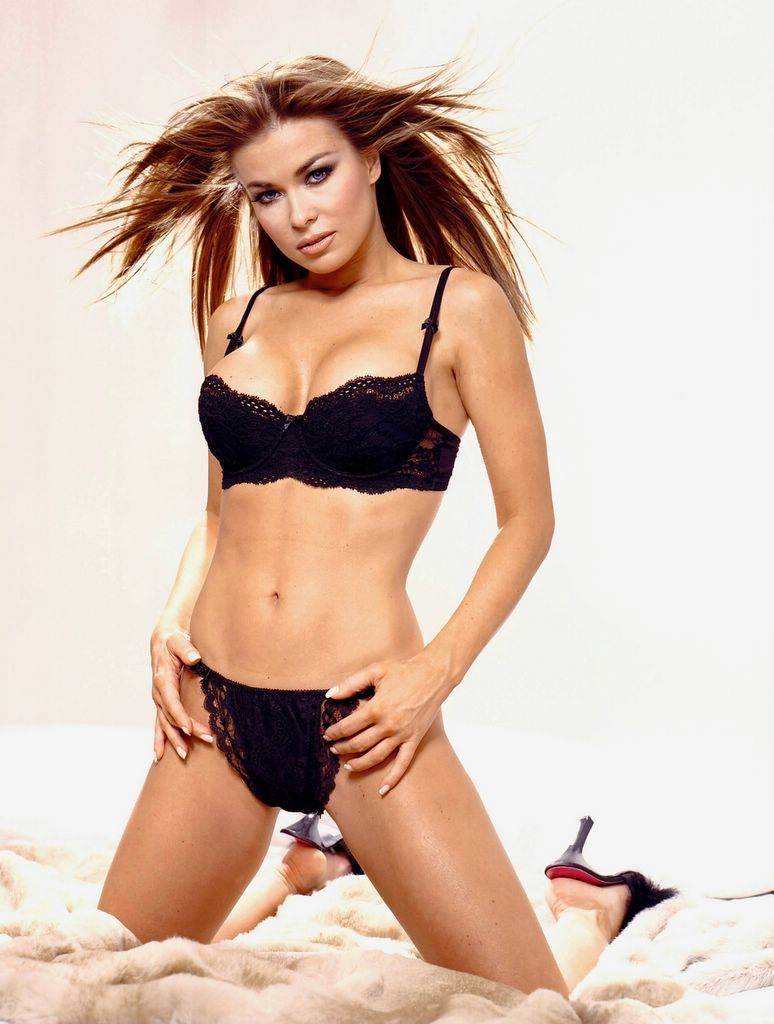 THAI TOY carmen electra in lingerie nice