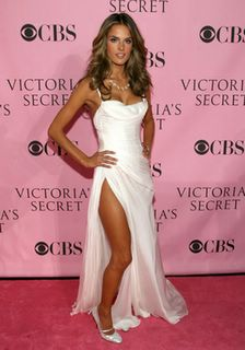 Alessandra Ambrosio - Victorias Secret Fashion Show