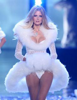 Julia Stegner at the Victorias Secret Fashion Show