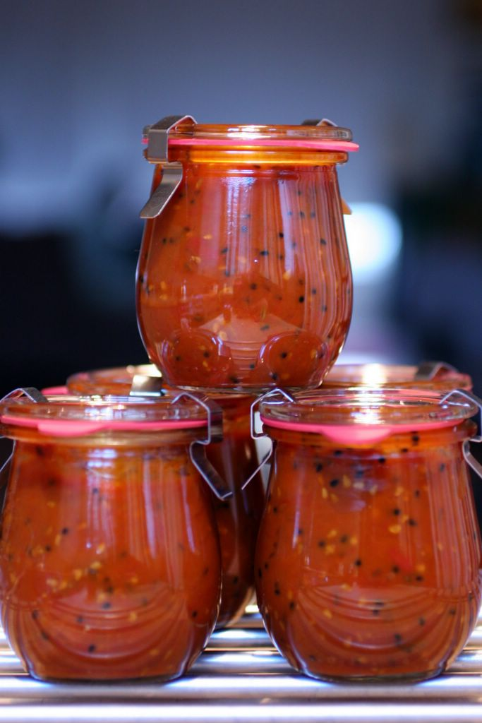 ... picture how to make recipe for spicy indian style tomato chutney