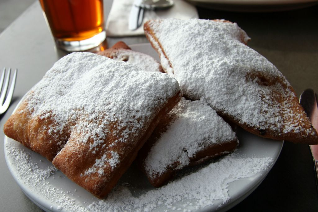 photograph picture of powdered sugar beignets from restaurant review of Mabel's just for you cafe in dog patch / potrero hill san francisco