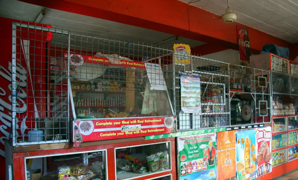 photograph picture Deuba Mini Mart Pacific Harbour Viti Levu