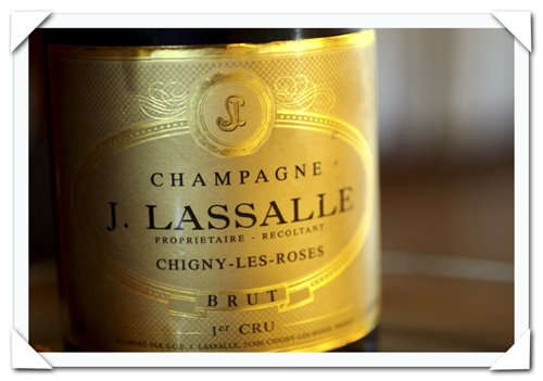 2006 photography picture of review of domaine j lasalle cachet dor champagne brut reserve france and gruyere choux puffs stuffed with creamed mushrooms