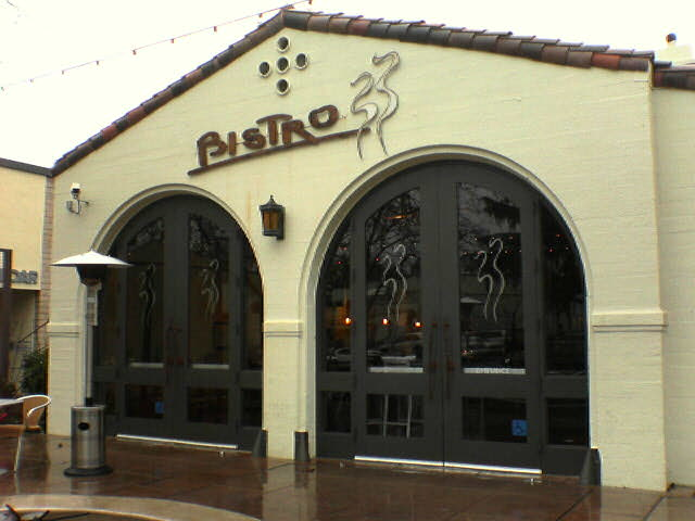bistro33.jpg