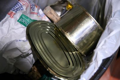 photograph picture of an empty Foie Gras tin