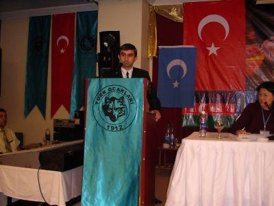 Сивото вълче Рафет Мурат отново изпълзя от Истанбулската си бърлога и нададе вой.