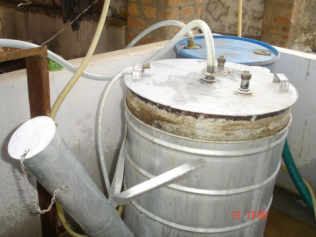 Mini Biogas Plant : Mini biogas plant srushti