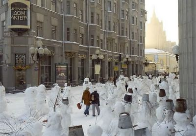 Moscow snowmans