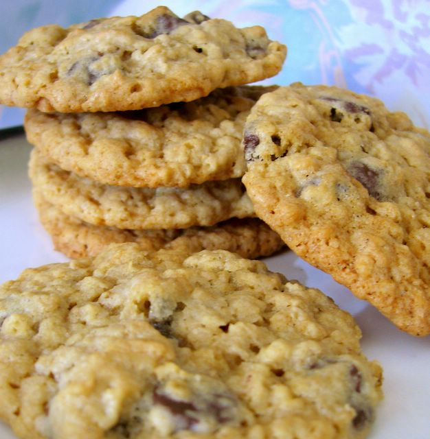 these are hands down the best oatmeal chocolate chip cookies i have ...